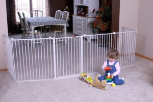 Regalo White Gate And Play Yard